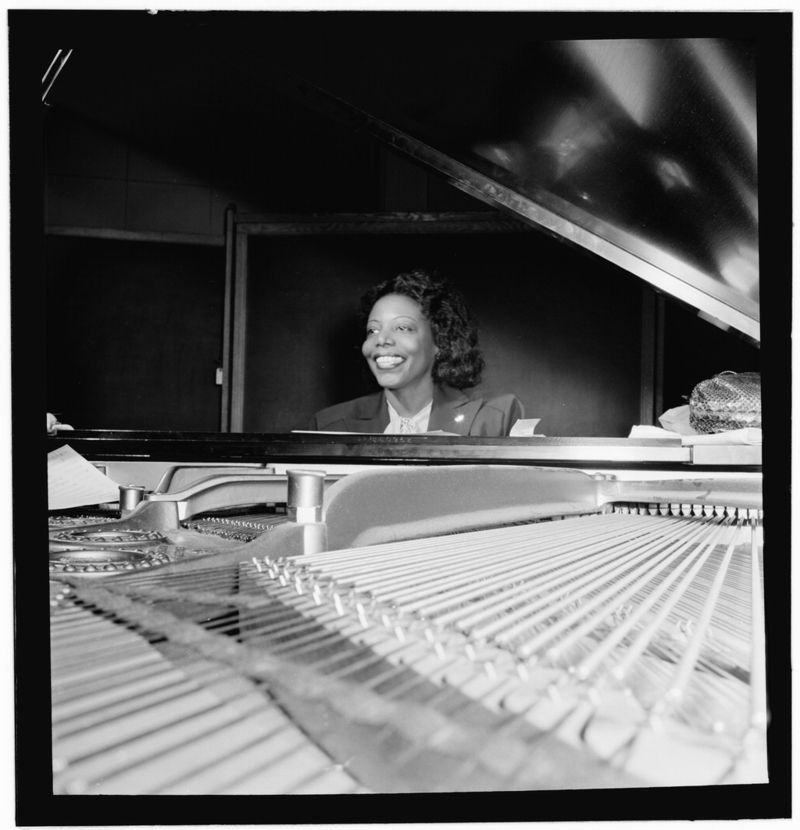 portrait_of_may_lou_williams_cbs_studio_new_york_ny_ca._1947._courtesy_of_william_p._gottliebra_and_leonore_s._gershwin_fund_collection_music_division_library_of_congress.jpg