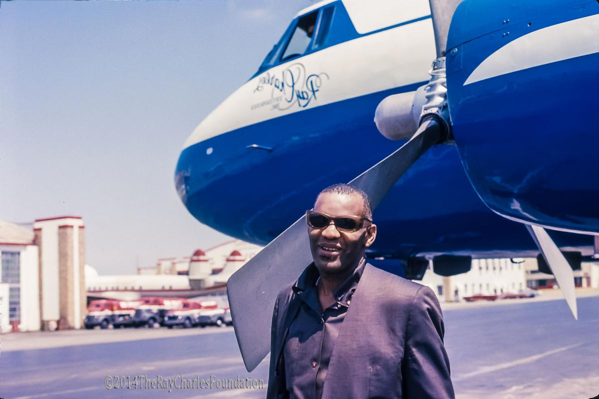 Ray Charles with his aircraft, Ray Charles