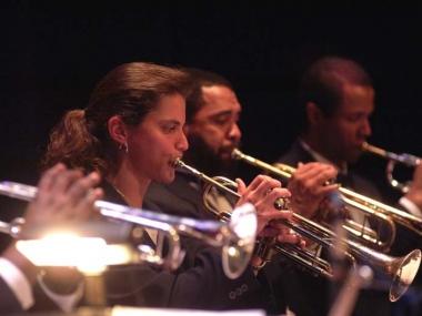 Leisl Whitaker performs