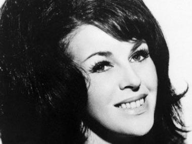 Portrait of country western singer Wanda Jackson from 1971. (Bettmann / Corbis)