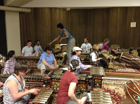 participants in Javanse gamelan